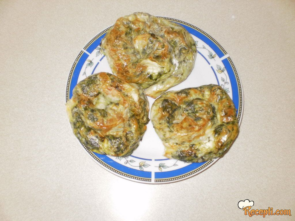Pita sa spanaćem i sirom (pužići)