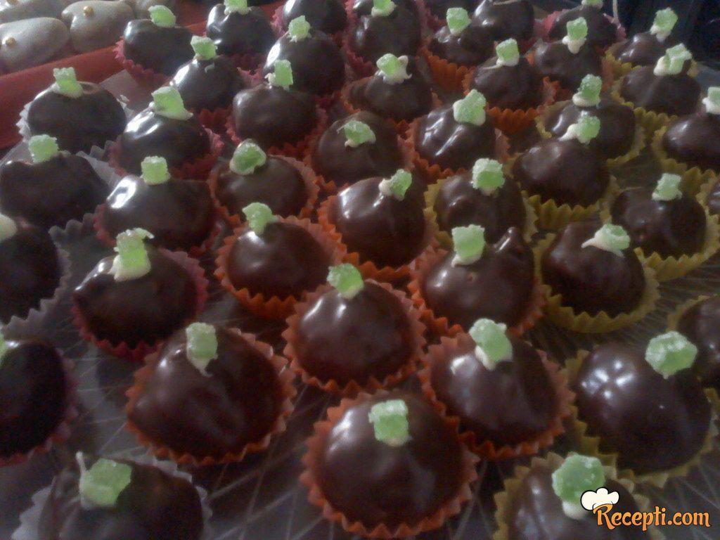 Kuglice sa plazmom i čokoladom