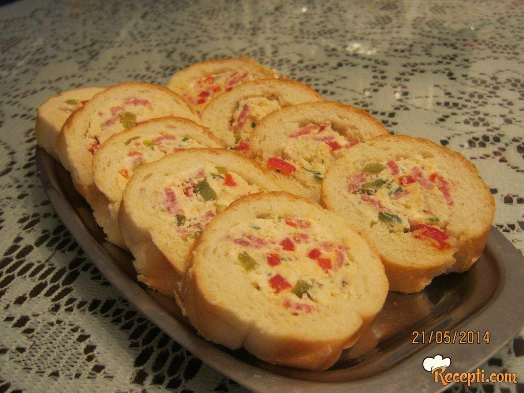 Punjeni baget hleb