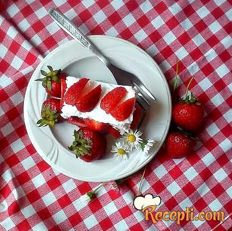 Torta sa čokoladom i jagodama