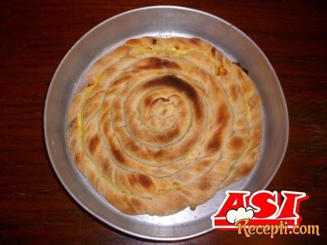 Domaća pita sa sirom (2)