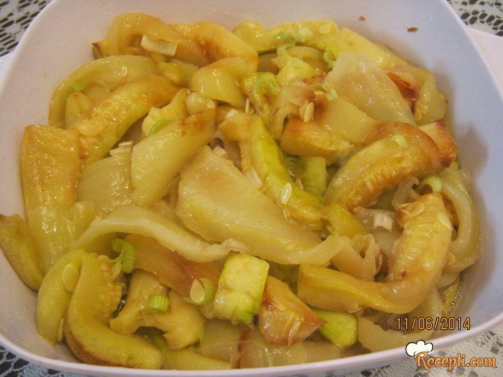 Dadina salata sa tikvicama
