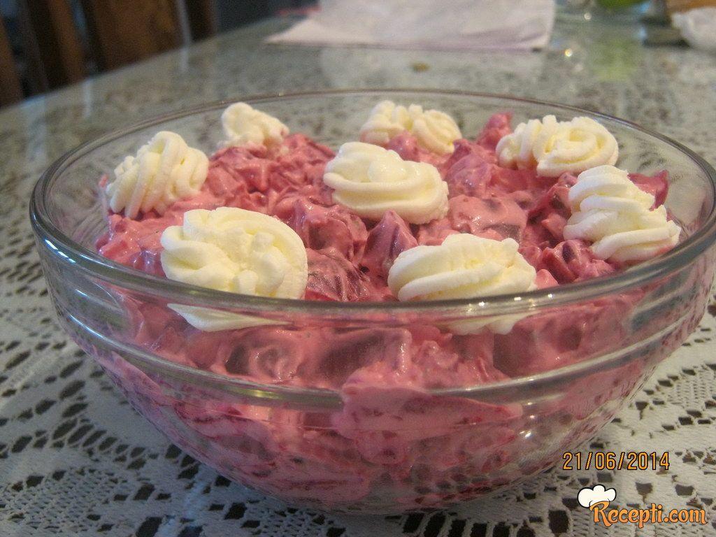 Salata sa cveklom, jajima...