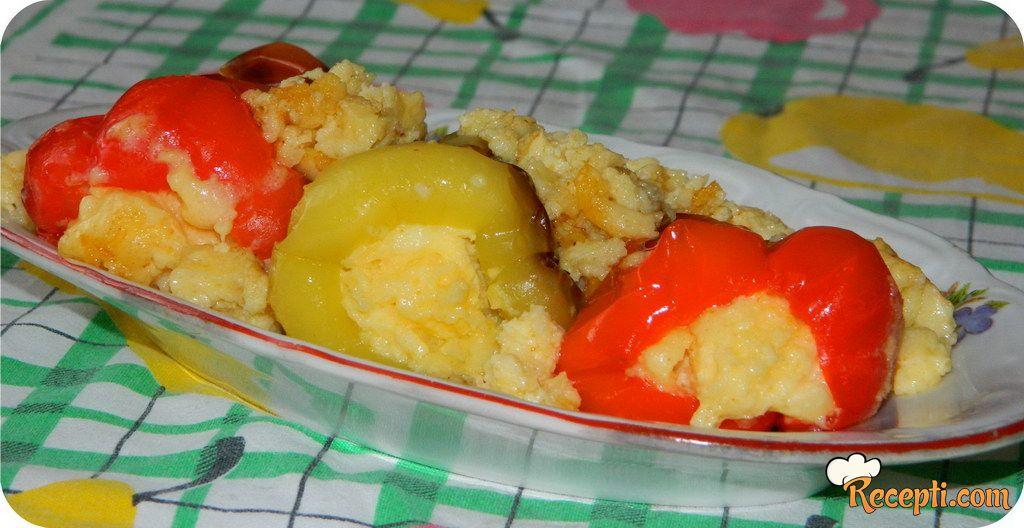 Paprike sa sirom i jajima