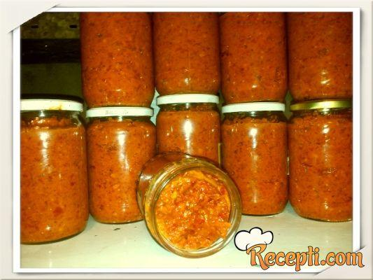 Ajvar od paprike i plavog paradajza