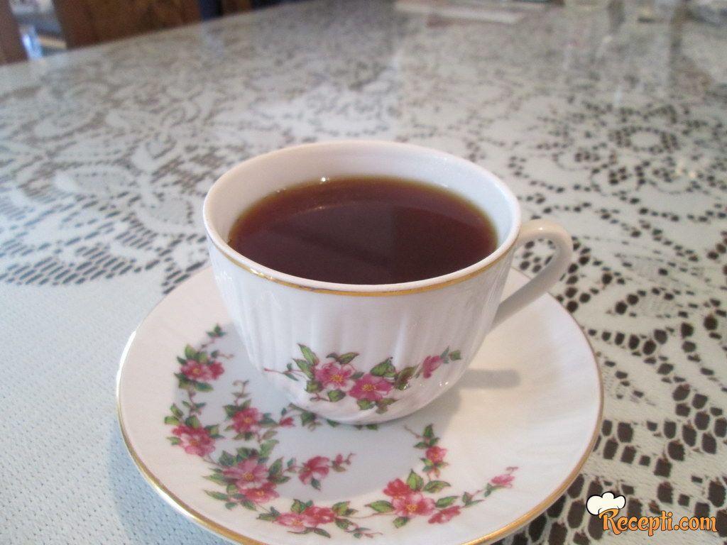 Čaj protiv suvog kašlja