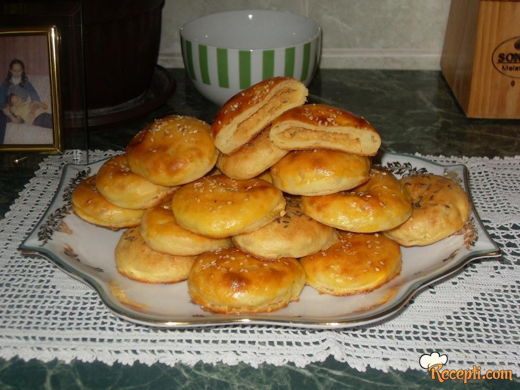 Krompir-pogačice punjene pasuljem