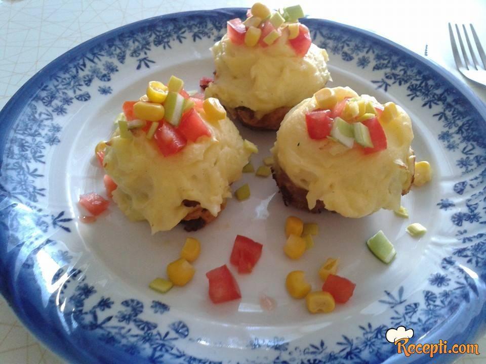 Muffins od mlevenog mesa