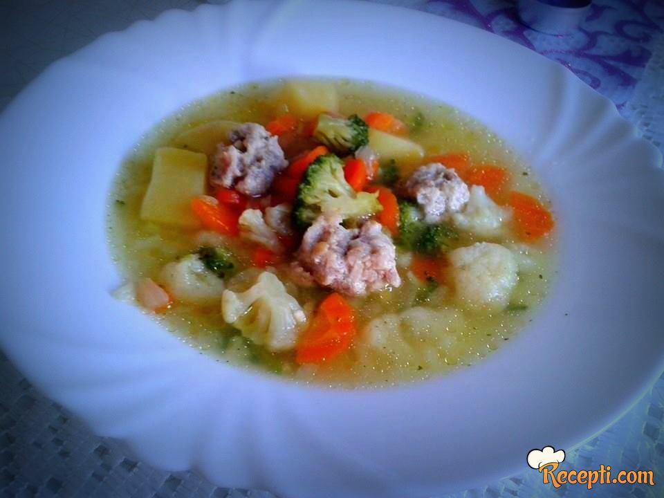 Čorba od povrća sa mesnim kuglicama
