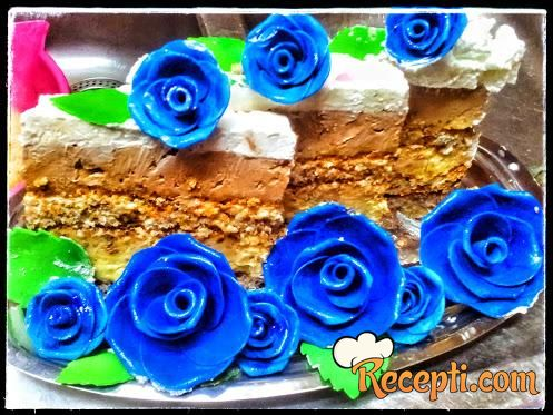 Stefanova torta sa lešnikom i plazmom