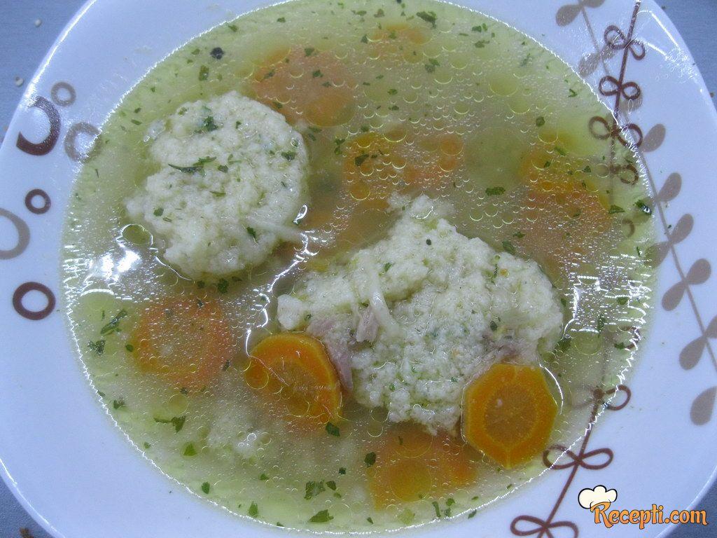 Pileća supica sa knedlama