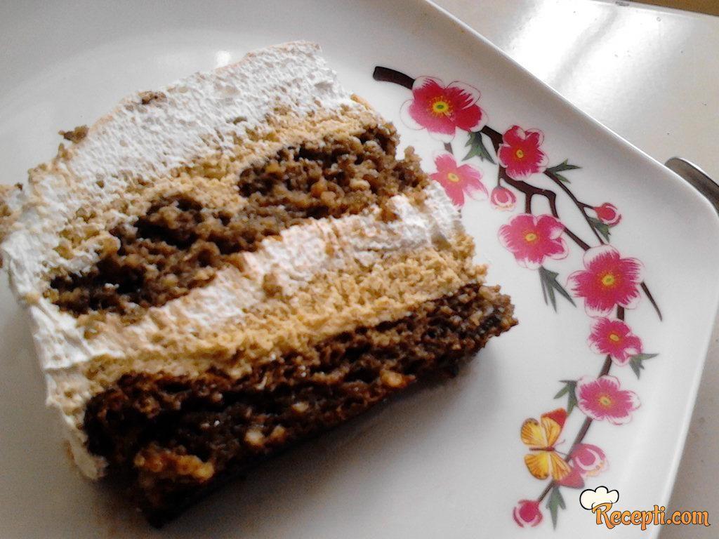 Plazma-lešnik torta