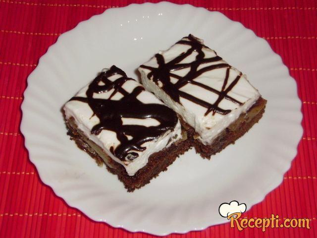 Čokoladni kolač sa jabukama (2)