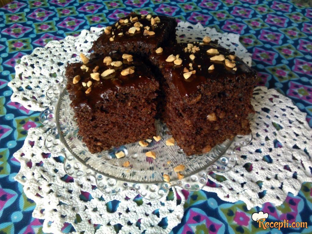 Garavi kolač sa kikirikijem