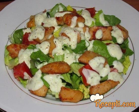 Salata sa pilećim fileom