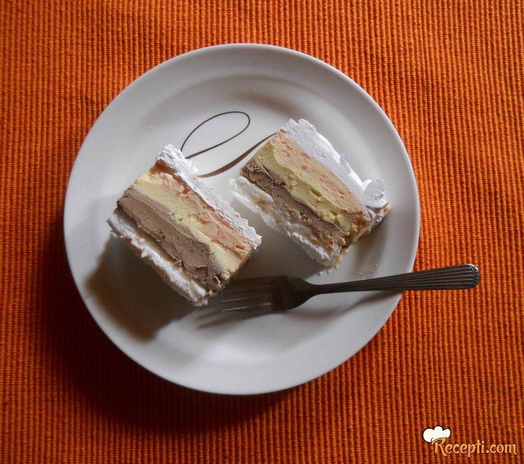Trobojna sladoled torta