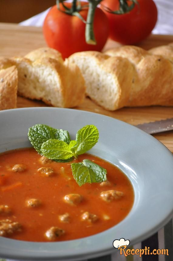 Paradajz supa s mesnim okruglicama