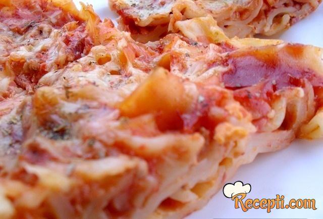 Pizza makarone (2)