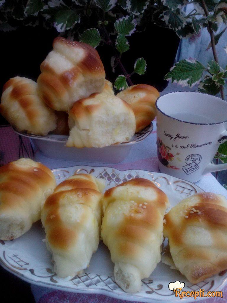 Posne kiflice sa pudingom od vanile