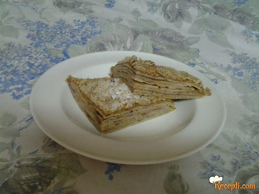 Palačinka torta sa orasima i džemom