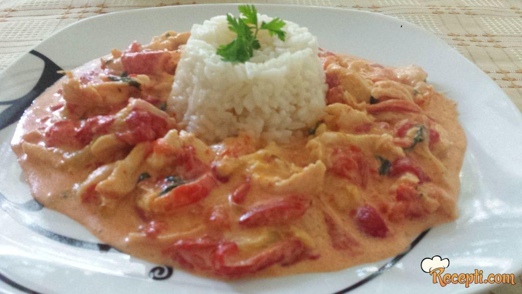 Piletina u krem sosu od pečenih paprika