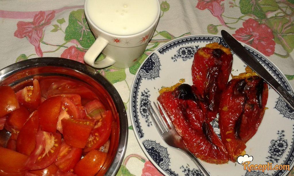 Paprika punjena sirom i tikvicama