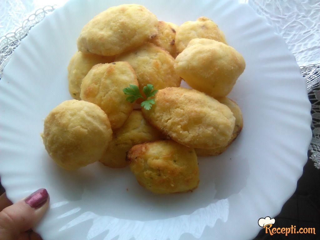 Krompiri u kukuruznom brašnu