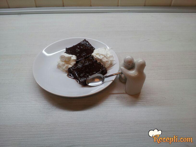 Kolač bez jaja sa Menaž čokoladom