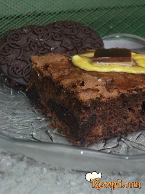 Brownies sa slatkišima