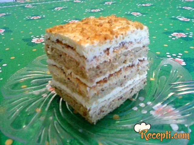 Lešnik-grilijaš torta