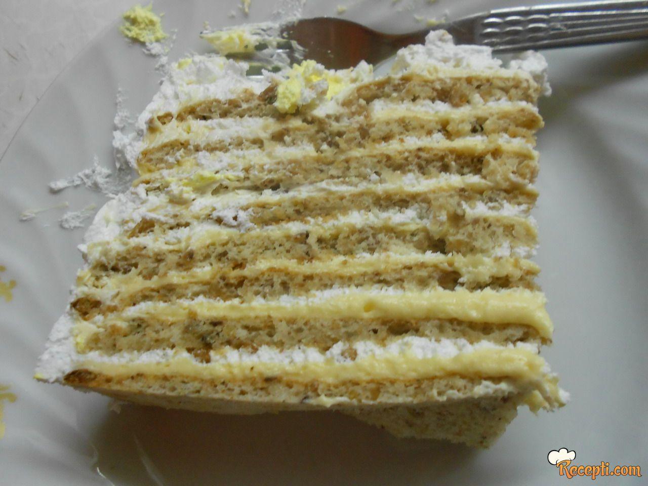 Bela torta od lešnika