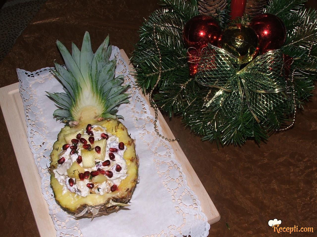 Pileća salata sa ananasom