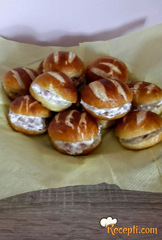 Mini bavarski sendviči
