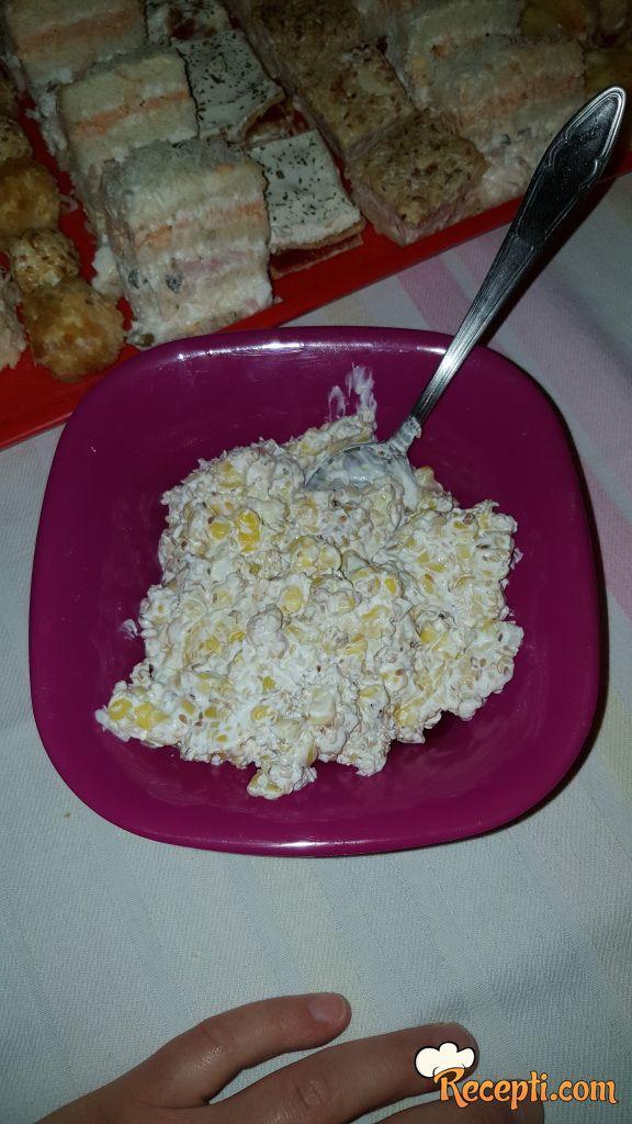 Salata sa kukuruzom šećercem