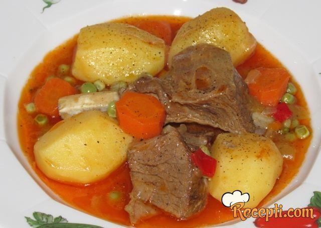 Janjetina sa povrćem