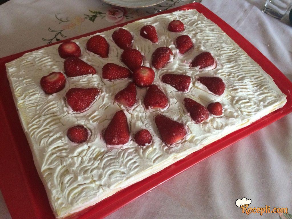 Voćna torta sa rozen koricama