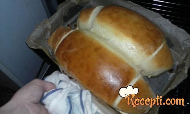 Kruh u obliku peciva