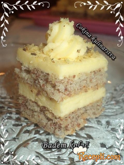 Badem kolač (2)
