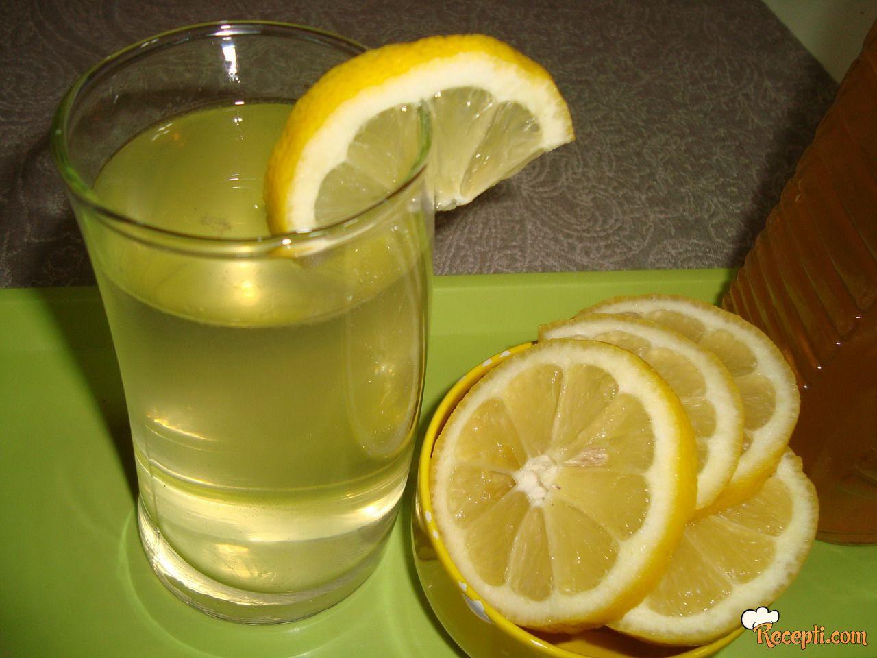 Sirup od zove i limuna