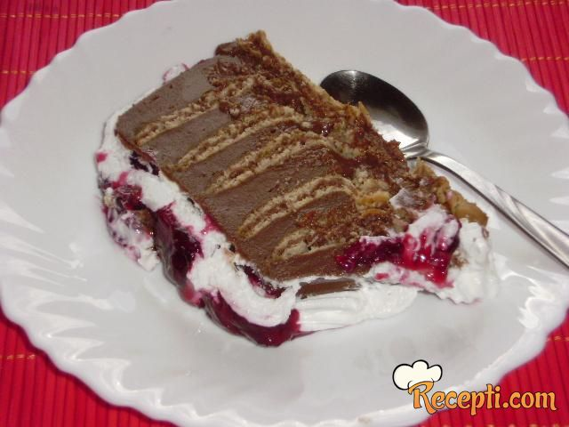 Čokoladna torta sa prelivom od višanja