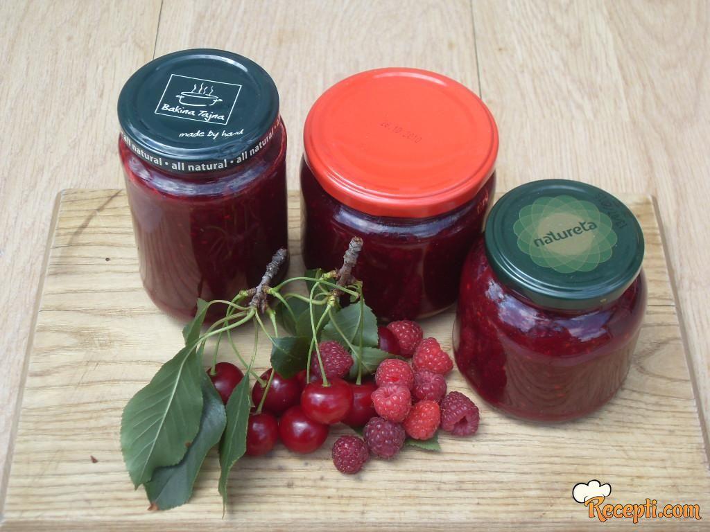 Marmelada sa višnjama i malinama
