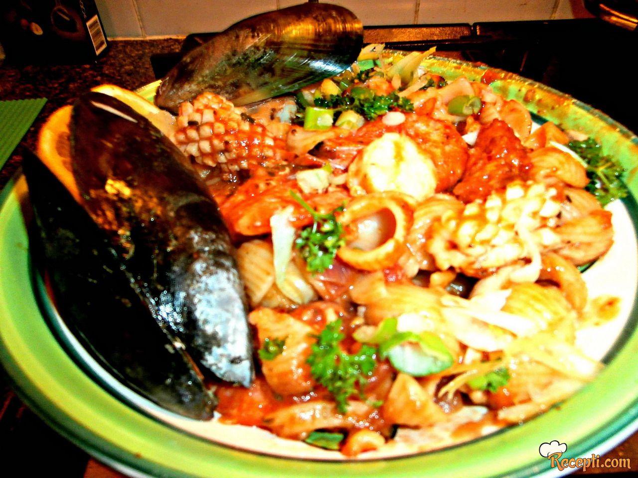 Marinara, pasta morski plodovi