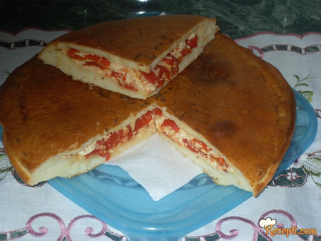 Fokača sa pečenim paprikama i sirom