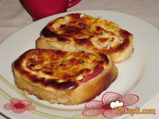 Topli sendviči sa paradajzom i sirom