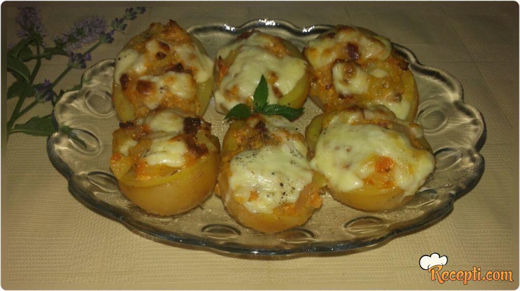 Pikantni punjeni krompir