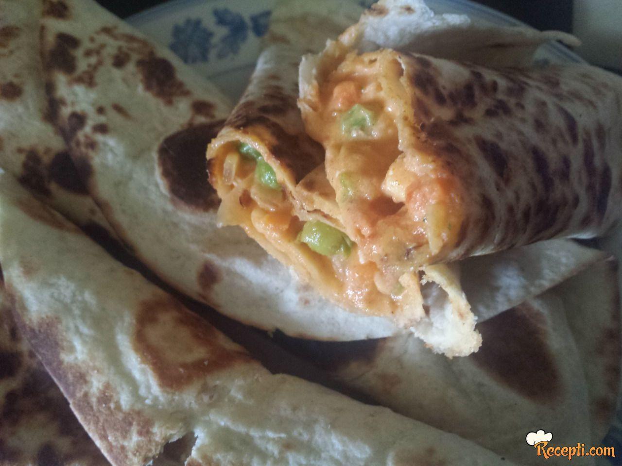 Tortilje sa povrćem i mesom