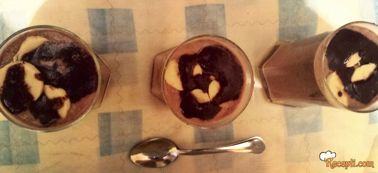 Plazma šejk sa bananom i čokoladom