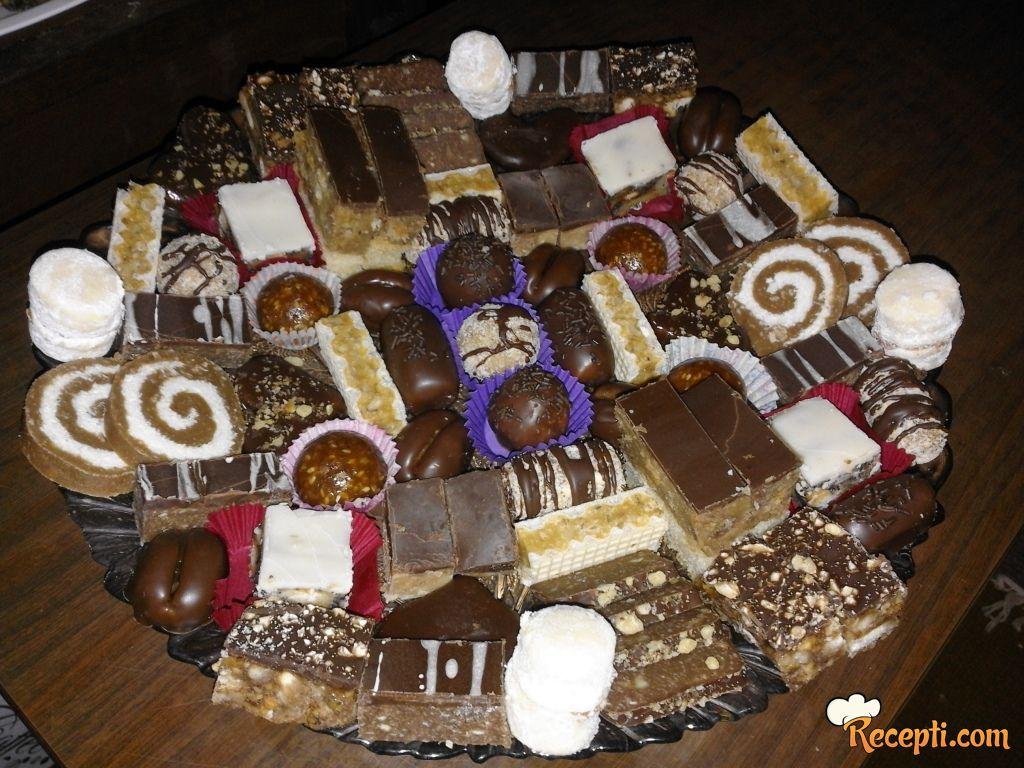 Slavski kolači - loptice sa susamom