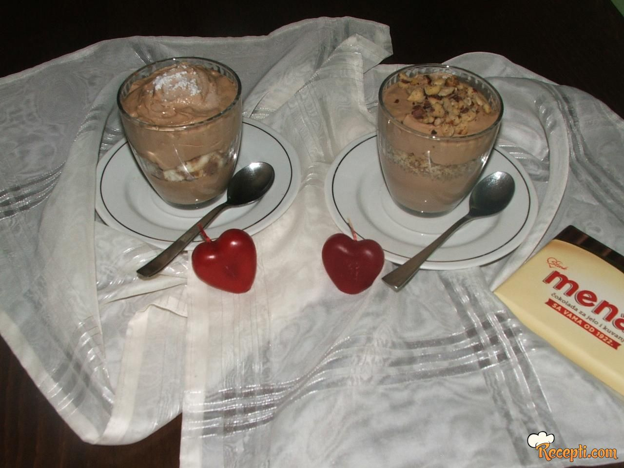 Čokoladni mus sa lešnicima