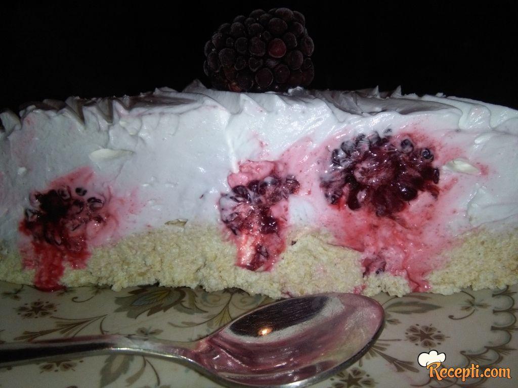 *Slavkina voćna torta*